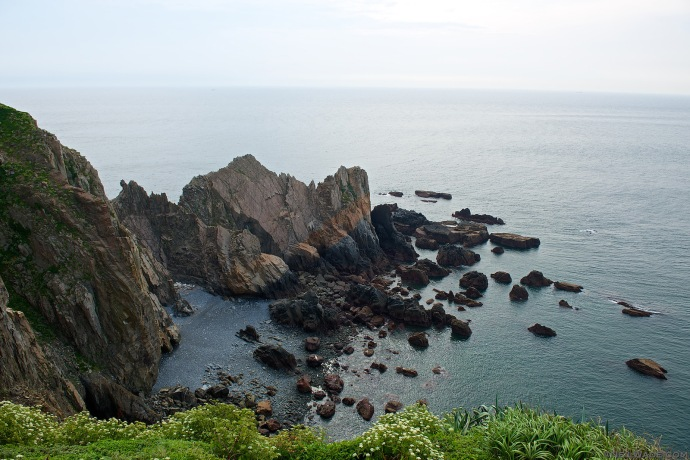 The coast of Xiyin and Dongyin are just stunning.